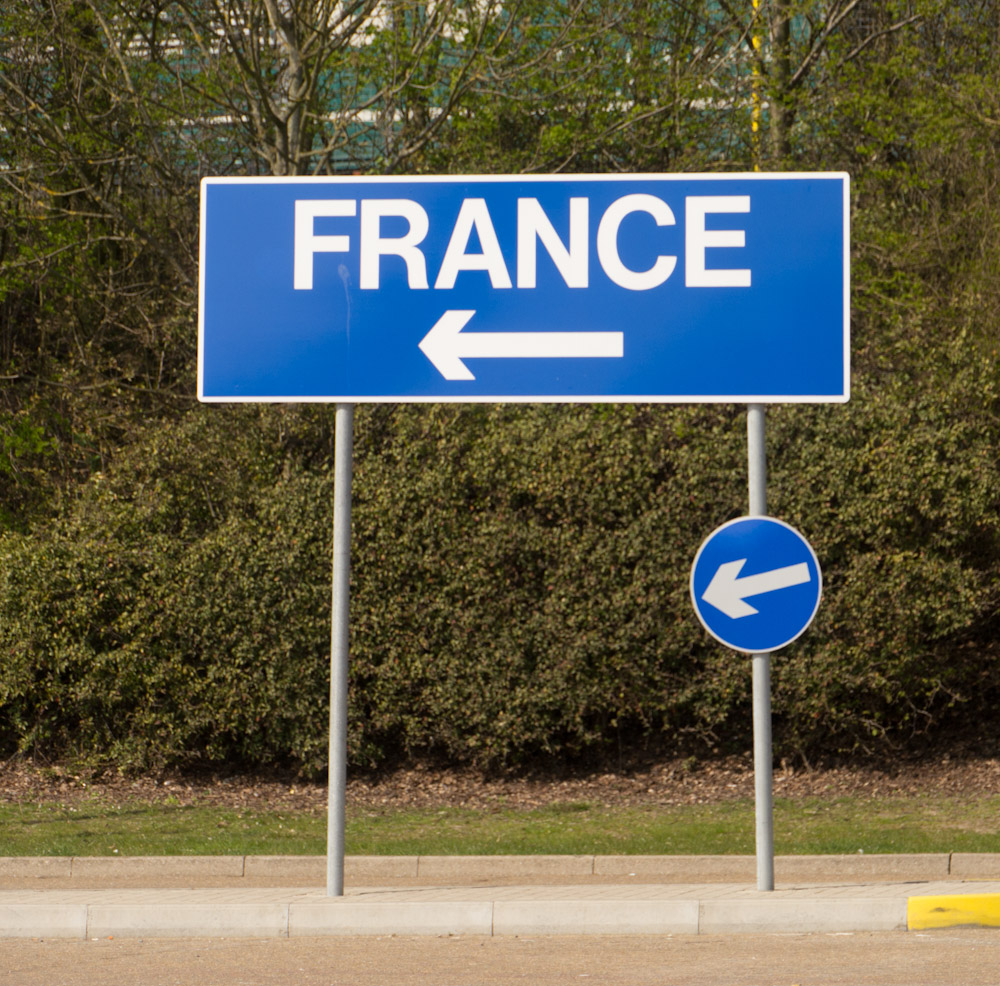 how to get to france status q